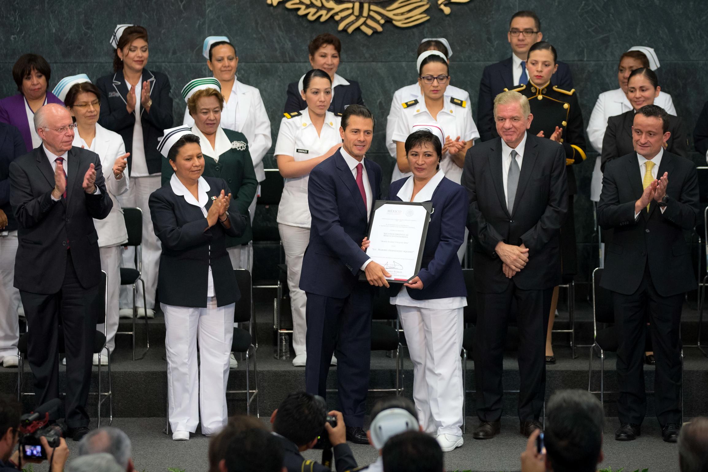 La enfermería mexicana ha tenido grandes avances, tanto en la profesionalización como en el número de enfermeras que dan respuesta a las necesidades en salud, desde los cuidados básicos hasta la práctica avanzada.