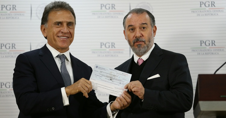 Entrega PGR más de 172 MDP recuperados al gobierno de Veracruz