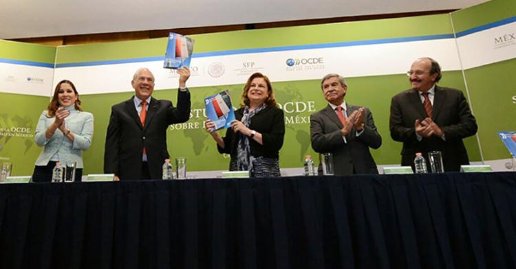 Ximena Puente de la Mora, José Angel Gurría, Arely Gómez González, Juan Manuel Portal Martínez y Carlos Chaurand Arzate