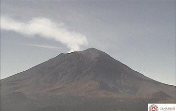 En las últimas 24 horas, por medio de los sistemas de monitoreo del volcán Popocatépetl, se identificaron 10 exhalaciones de baja intensidad, acompañadas por vapor de agua y gas principalmente.