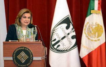 Mtra. Arely Gómez durante su Cátedra Prima sobre el SNA, en la Universidad Anáhuac Norte.