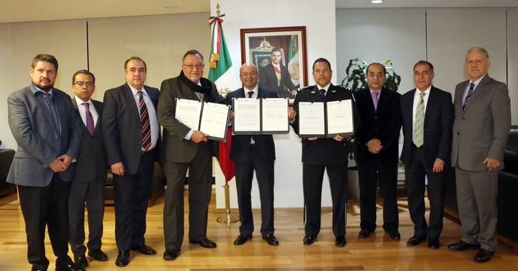 Firman convenio para fortalecer la cooperación entre ambas dependencias