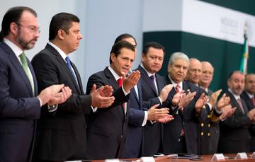 """""""Como lo hemos hecho a lo largo de nuestra historia, México no sólo debe enfrentar los nuevos desafíos mundiales, que están emergiendo, sino que tiene que aprovechar también las nuevas oportunidades que se presentan con ellos"""": EPN"""