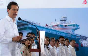 """""""Petróleos Mexicanos es la empresa más emblemática de nuestro país y es parte importante de nuestra identidad"""": EPN"""