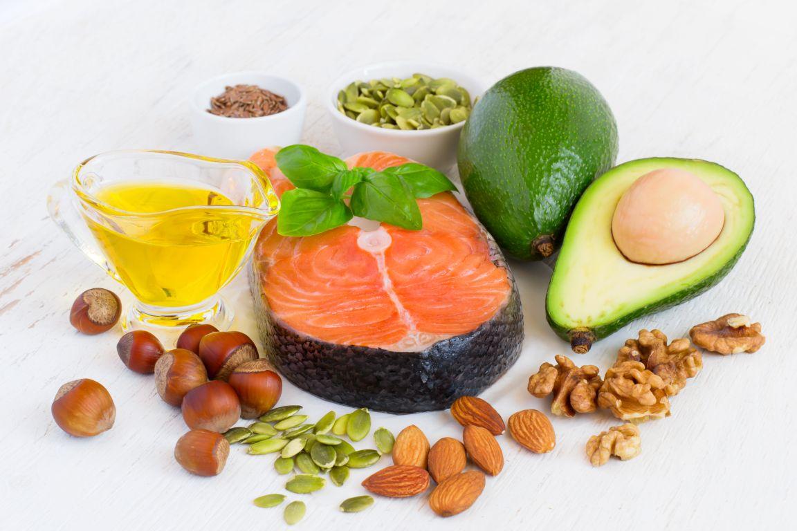 Reemplazar algunas grasas saturadas con grasas monoinsaturadas