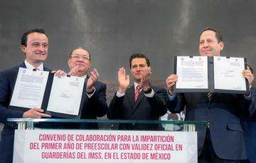 El Primer Mandatario atestiguó la firma del Convenio de Colaboración para la Impartición del Primer Año de Preescolar con Validez Oficial en Guarderías del IMSS en el Estado de México.