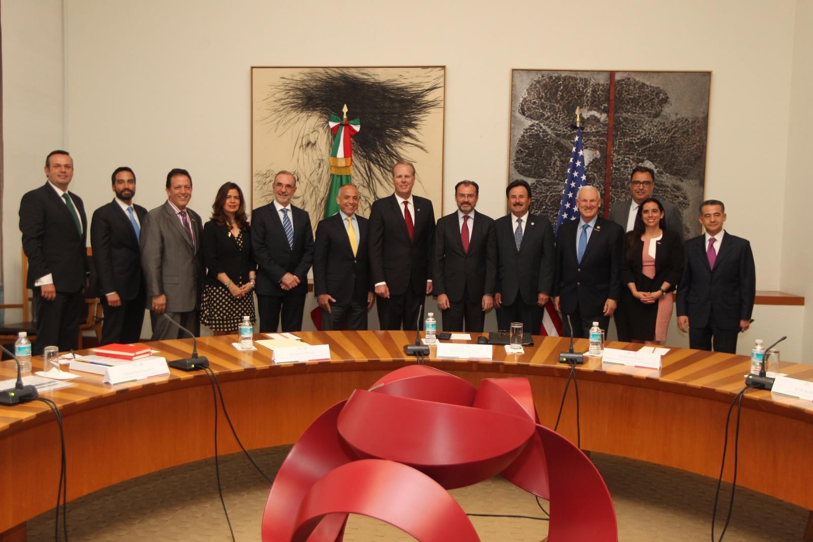 El Canciller Luis Videgaray se reúne con Alcaldes y líderes de la mega región California y Baja California.