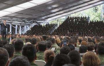 """""""Son inadmisibles e inaceptables las expresiones que algunos por ignorancia o con dolo, descalifican la labor de nuestras Fuerzas Armadas"""": EPN"""