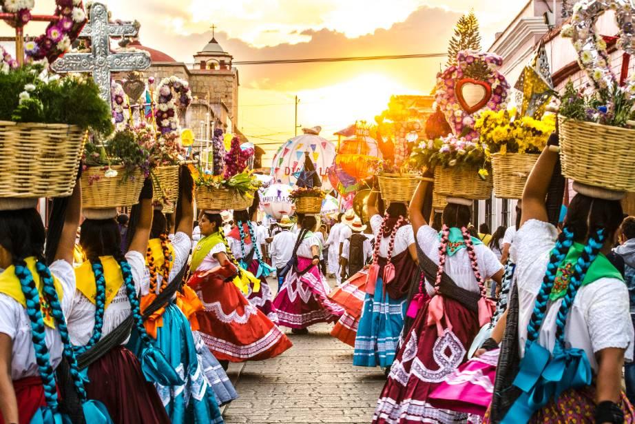 """Foto: """"El Caminar de la China oaxaqueña"""". Sentimientos de México 2016. Víctor Osvaldo Velasco Ruiz."""