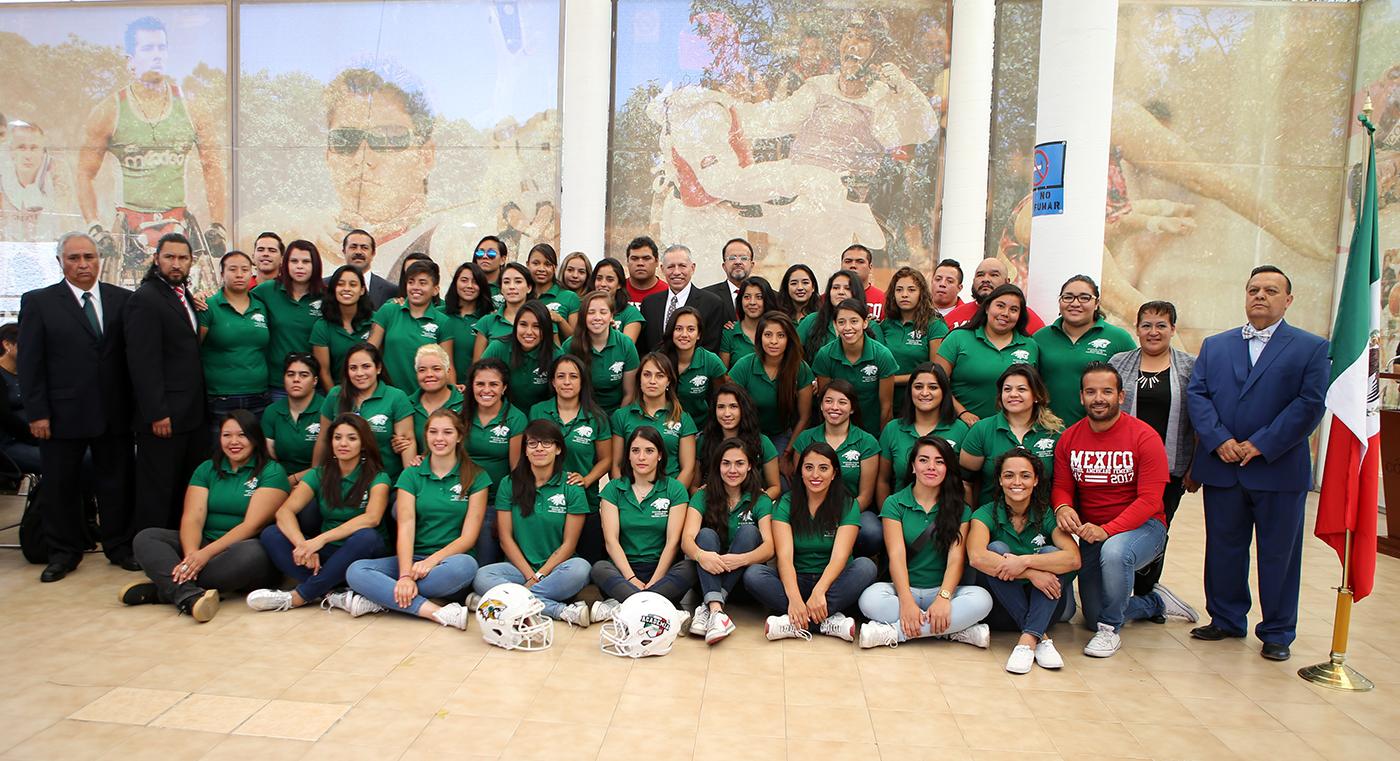 Abanderan a Selección Mexicana Femenil de Futbol Americano.   Participará  en el Campeonato Mundial Femenil de Vancouver 8cd9667d36f8e