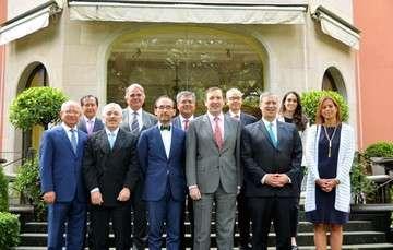 El Embajador de España en México, Luis Fernández-Cid;  Jacques Rogozinski, director general de Nafin; Salvador Marín, presidente de COFIDES, y directores generales y representantes de la banca de desarrollo de México.