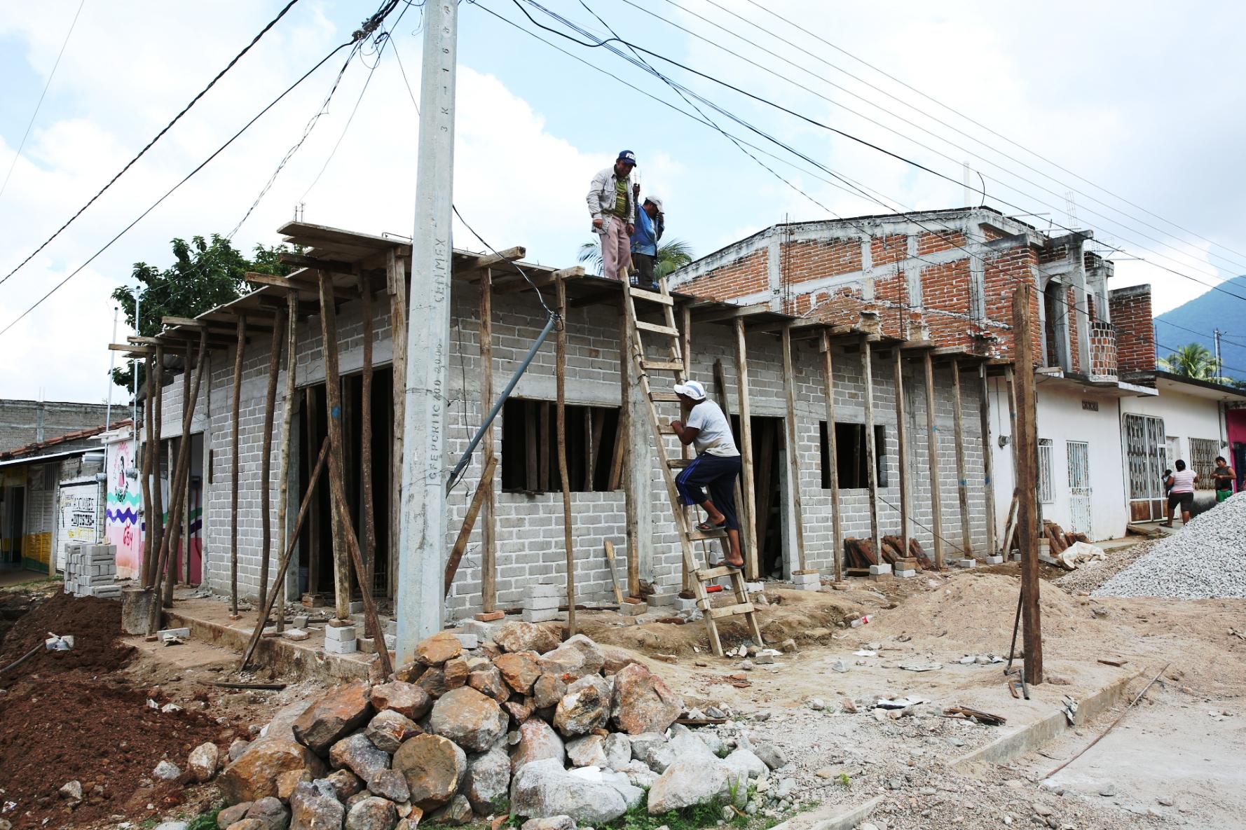 Casa en reconstrucción en el estado de Chiapas