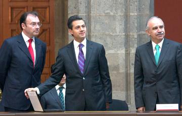 El Presidente Enrique Peña Nieto presentó, desde Palacio Nacional, su declaración de situación patrimonial