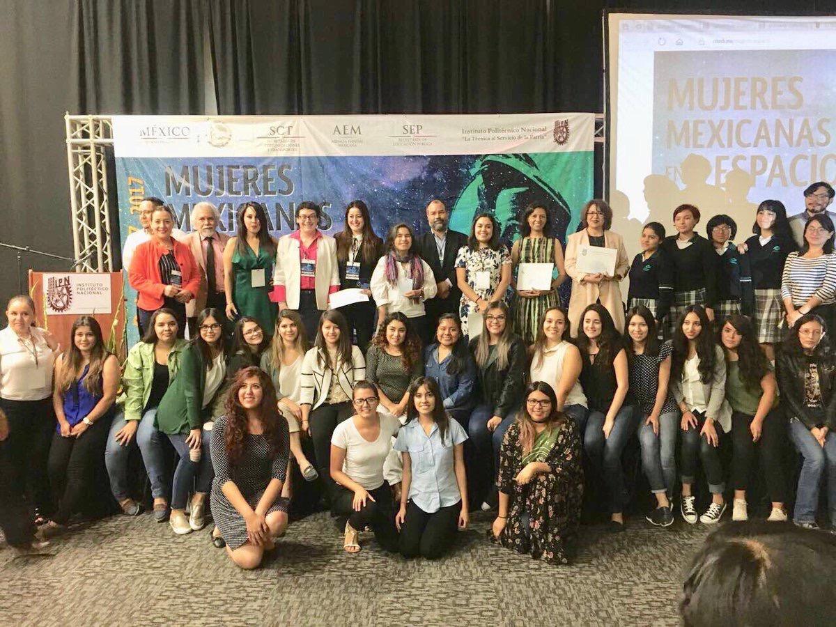 Presentan las diferentes áreas en que la mujer mexicana trabaja en el tema espacial