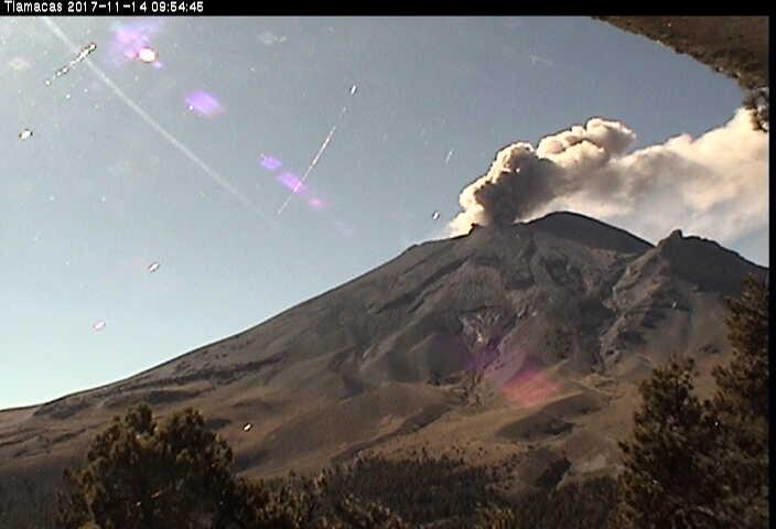En las últimas 24 horas, por medio de los sistemas de monitoreo sísmico del volcán Popocatépetl, se identificaron 263 exhalaciones de baja intensidad acompañadas de vapor de agua y gas. El día de hoy se registró una explosión a las 08:58 h.