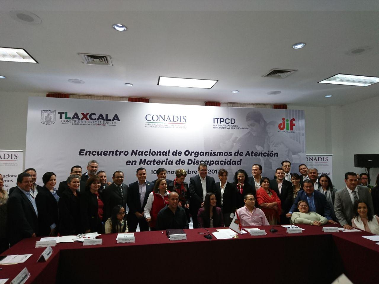 Foto Oficial de los asistentes al Encuentro Nacional de Organismos de Atención en Materia de Discapacidad.
