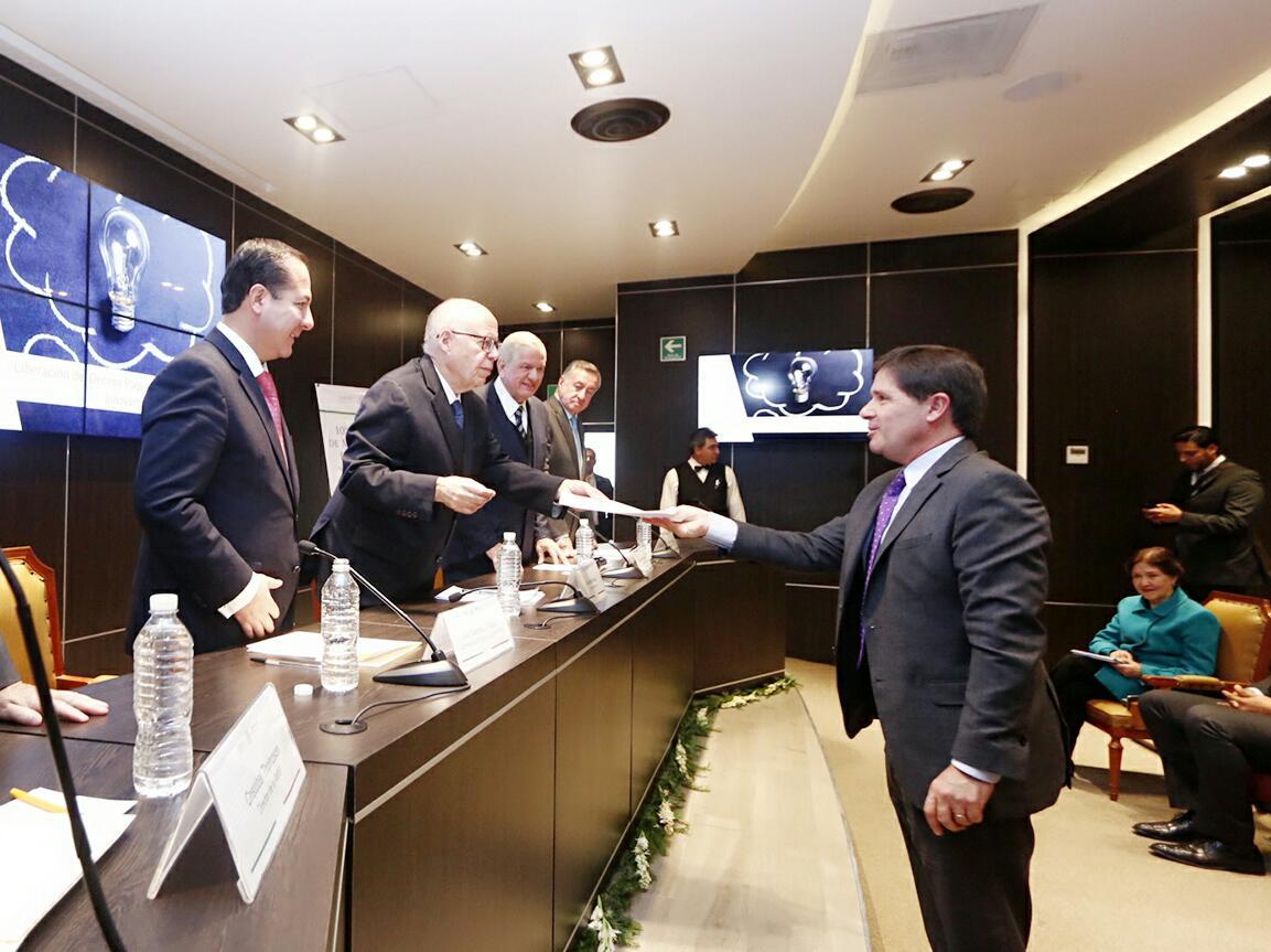 La Secretaría de Salud presenta el décimo paquete de medicamentos innovadores