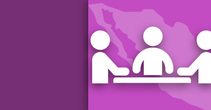 imagen de tres personas con fondo del mapa de la República Mexicana