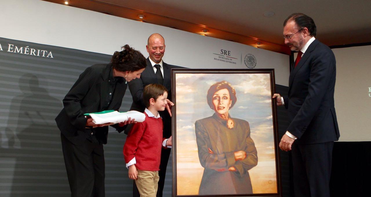 Rinde el gobierno de México un homenaje luctuoso a la Embajadora Emérita Rosario Green Macías