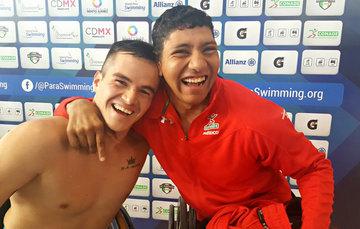 Gustavo Sánchez y Jesús Hernández, nadadores mexicanos