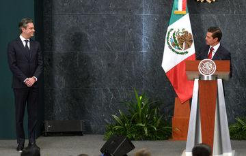 """El Primer Mandatario Agradeció el servicio de Aurelio Nuño """"al Gobierno de la República, a nuestro país; los servicios que ha prestado a México, y le deseo el mayor de los éxitos en sus nuevos proyectos""""."""