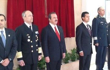 El Presidente Enrique Peña Nieto devela la placa inaugural de estación satelital ERMEX Nueva Generación