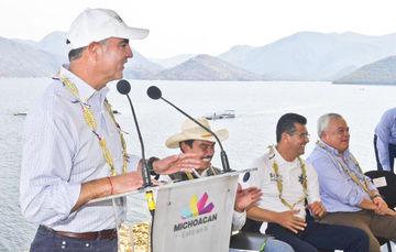 """""""La acuacultura va a ser el futuro de la alimentación del mundo"""": Mario Aguilar Sánchez, titular de la Comisión Nacional de Acuacultura y Pesca (CONAPESCA)."""