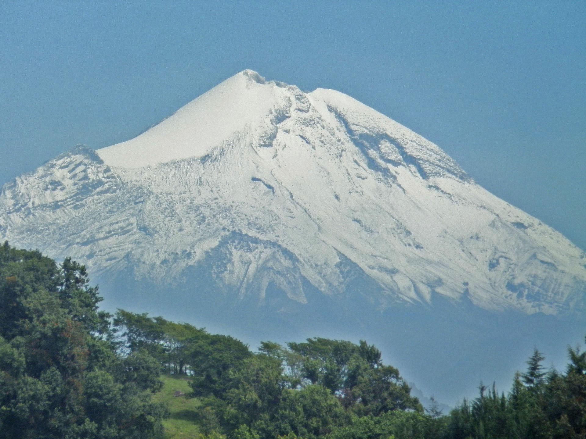 El Pico de Orizaba, también conocido como Citlaltépetl, es la montaña más alta de México.