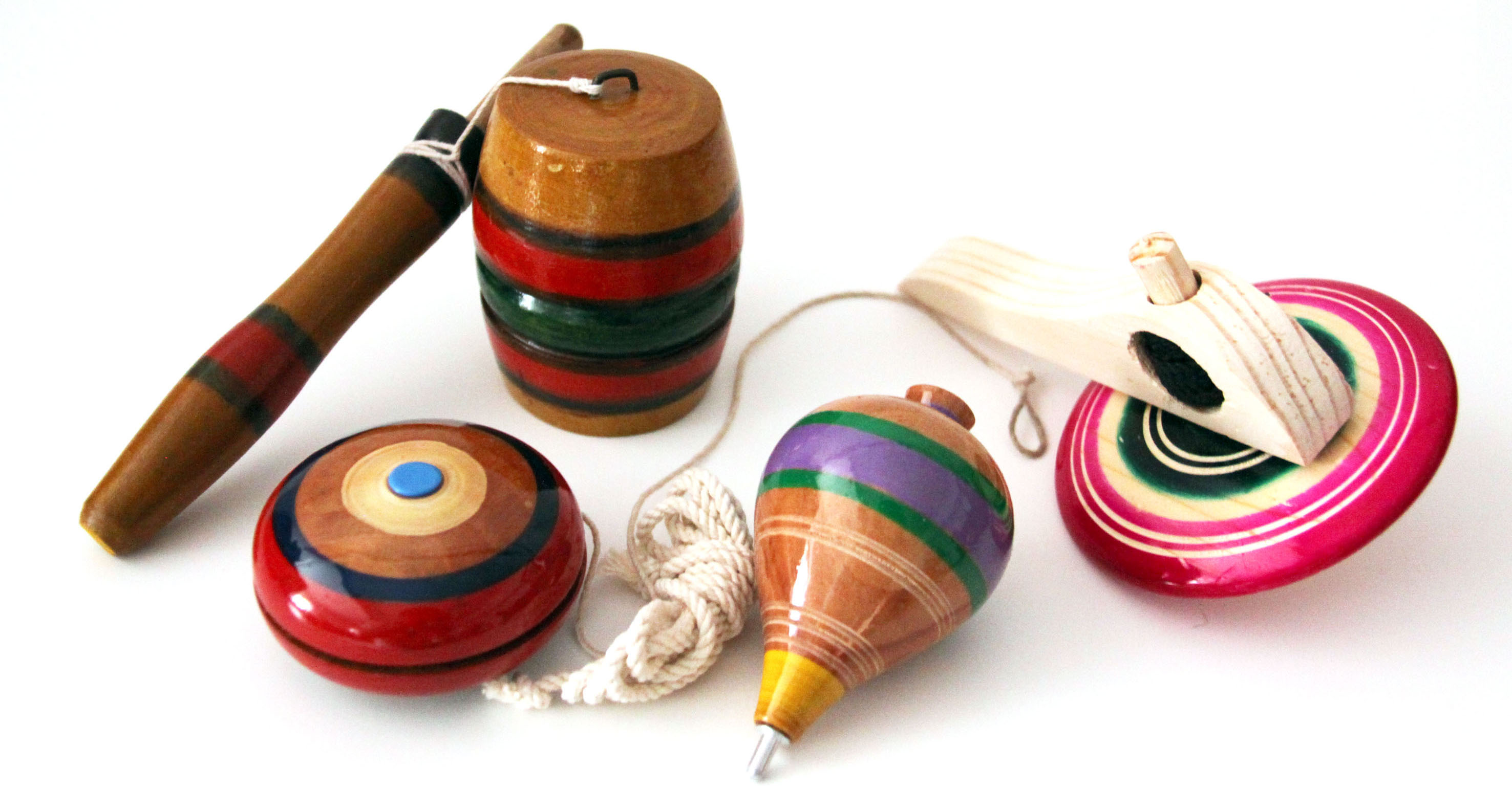 juguetes de madera elaborados artesanalmente