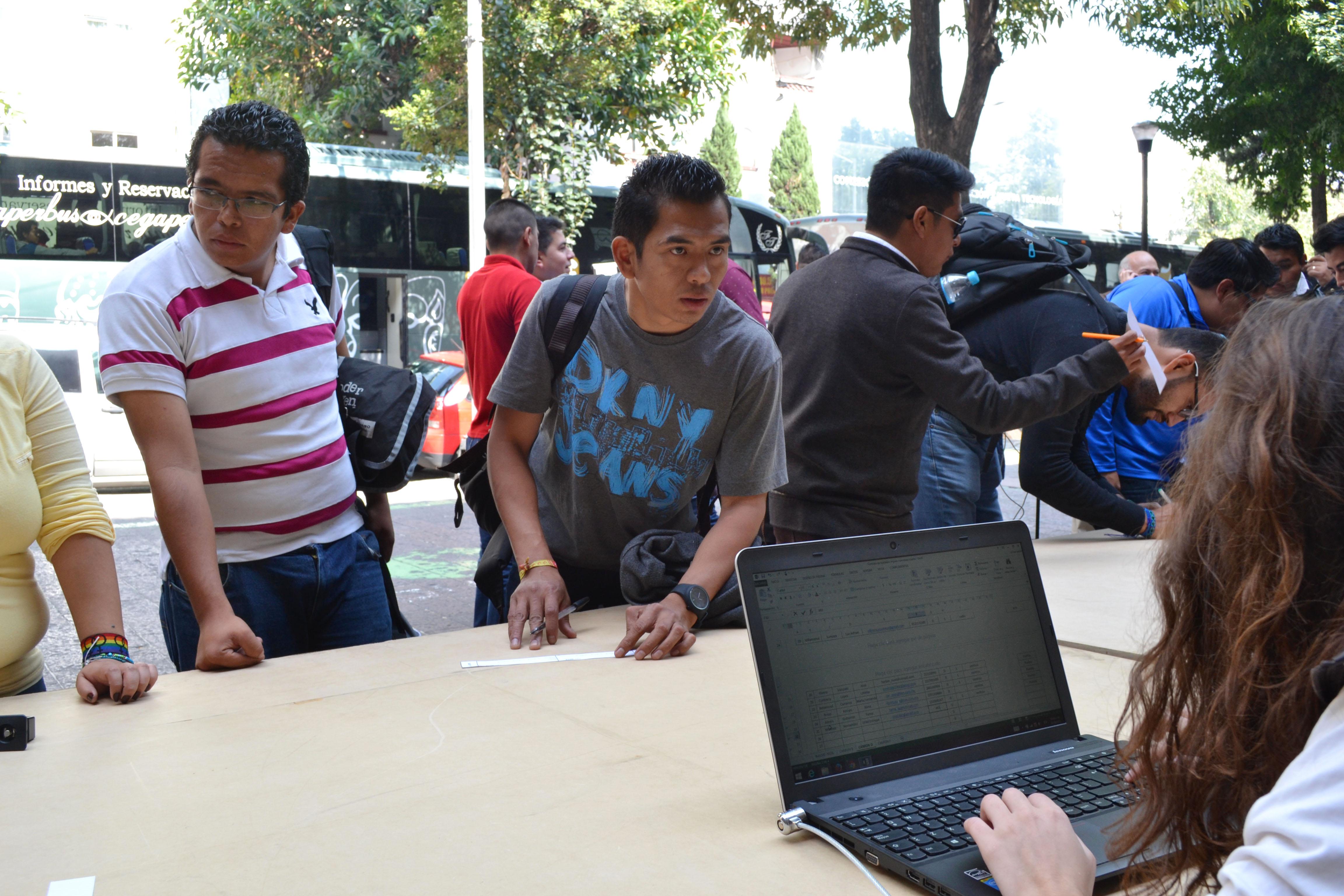 Hoy en día existen 71 millones de jóvenes desempleados a nivel global, en tanto que en México 2 de cada 10 jóvenes de entre 12 a 29 años no estudian ni trabajan.