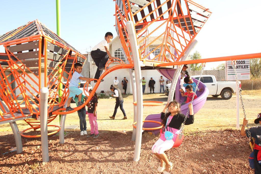 Este tipo de estructuras alienta a los niños a explotar su destreza y habilidad, lo que también ayuda a su desarrollo.