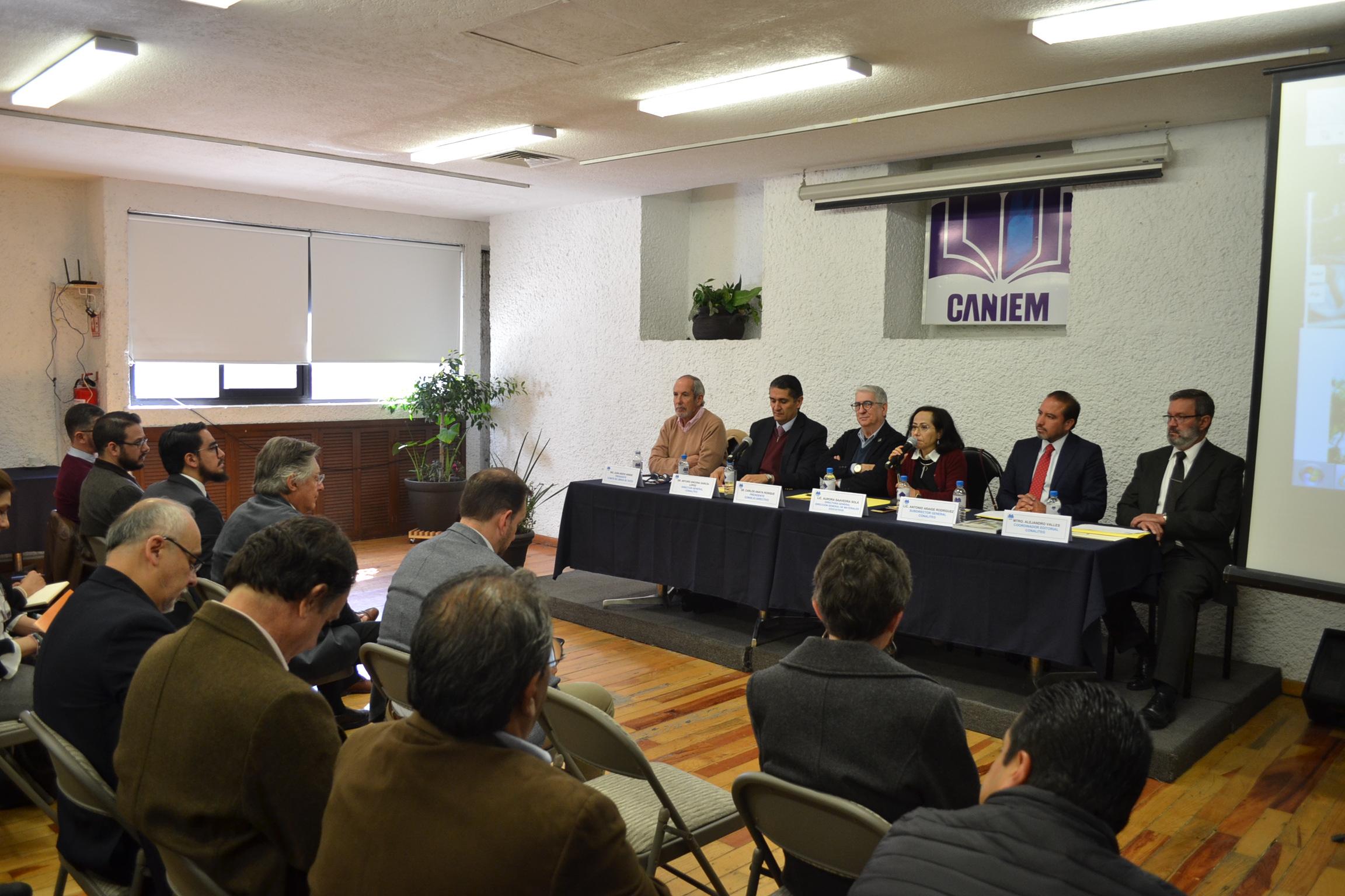 Convenio Conaliteg y Caniem para producir los libros de texto de secundaria