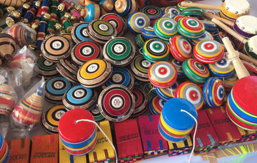 juguetes de madera provenientes del Estado de México