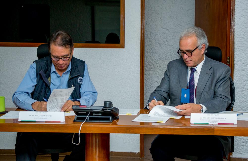 Felipe I. Arreguín Cortés, Director General del IMTA y José Luis Mantecón García, vicepresidente de Desarrollo de Negocios Institucionales de Grupo Rotoplas.