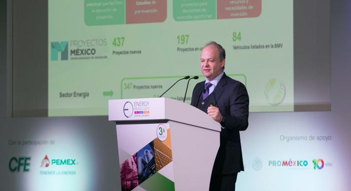El Director General de Banobras, Alfredo Vara, adelantó que Banobras evalúa participar en el financiamiento de proyectos de energía verde, relacionados con parques eólicos, proyectos de petróleo, plantas hidroléctricas, proyectos de gas y parques solares