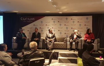 De izquierda a derecha: Dra. Lydia Paredes, Dr. Javier Altamirano, Dr. Samuel Rivera, Ing. Juan Eibenschutz, Dra. Diana Flores.