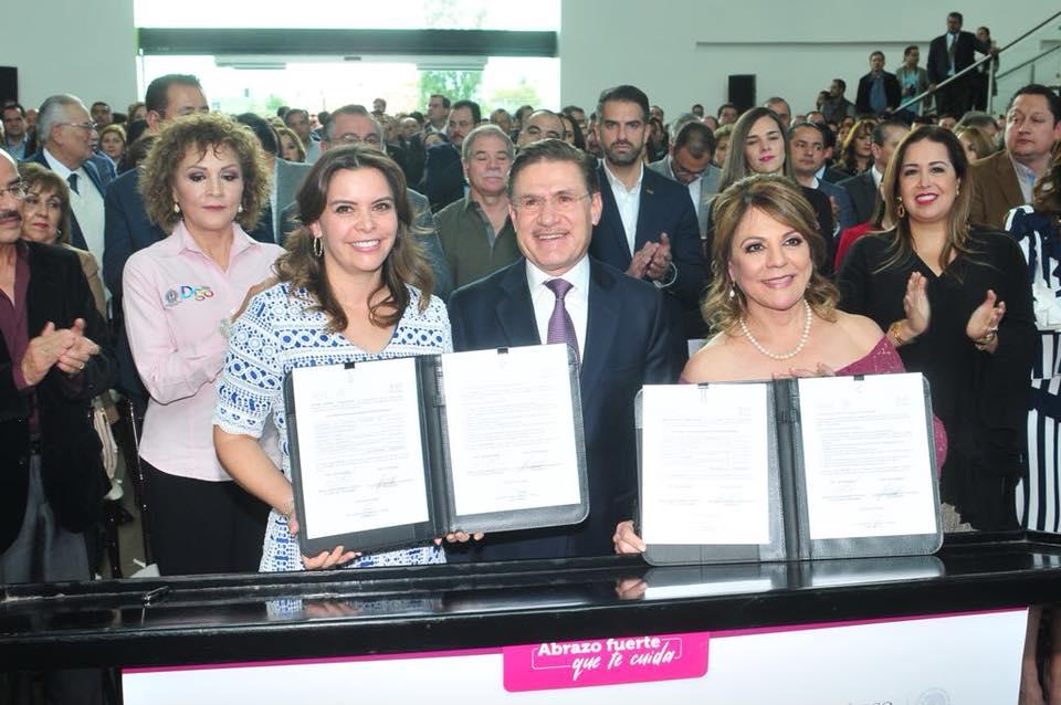DIF Nacional y DIF Estatal Durango, firmaron convenios de colaboración.