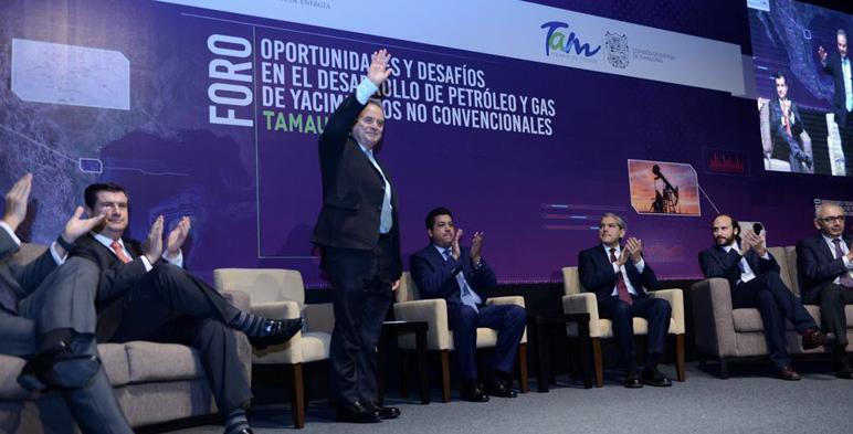 """El Secretario de Energía, Pedro Joaquín Coldwell en la inauguración del Foro """"Oportunidades y desafíos en el desarrollo de petróleo y gas de yacimientos no convencionales Tamaulipas""""."""