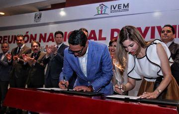 Firma de convenio de colaboración entre el Instituto de Vivienda de Michoacán y FONHAPO.