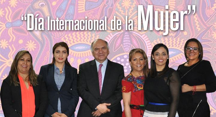 El Director en Jefe del RAN, Froylán Hernández Lara, acompañado de las delegadas de Aguascalientes, de Chiapas, Puebla, Sonora e Hidalgo.