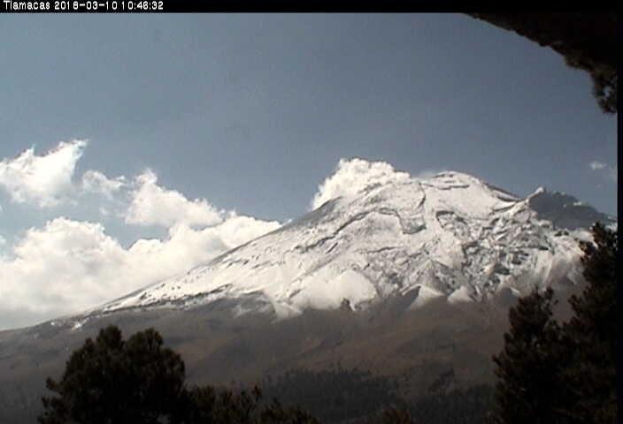 En las últimas 24 horas, por medio de los sistemas de monitoreo del volcán Popocatépetl, se identificaron 105 exhalaciones de baja intensidad acompañadas de vapor de agua y gas.