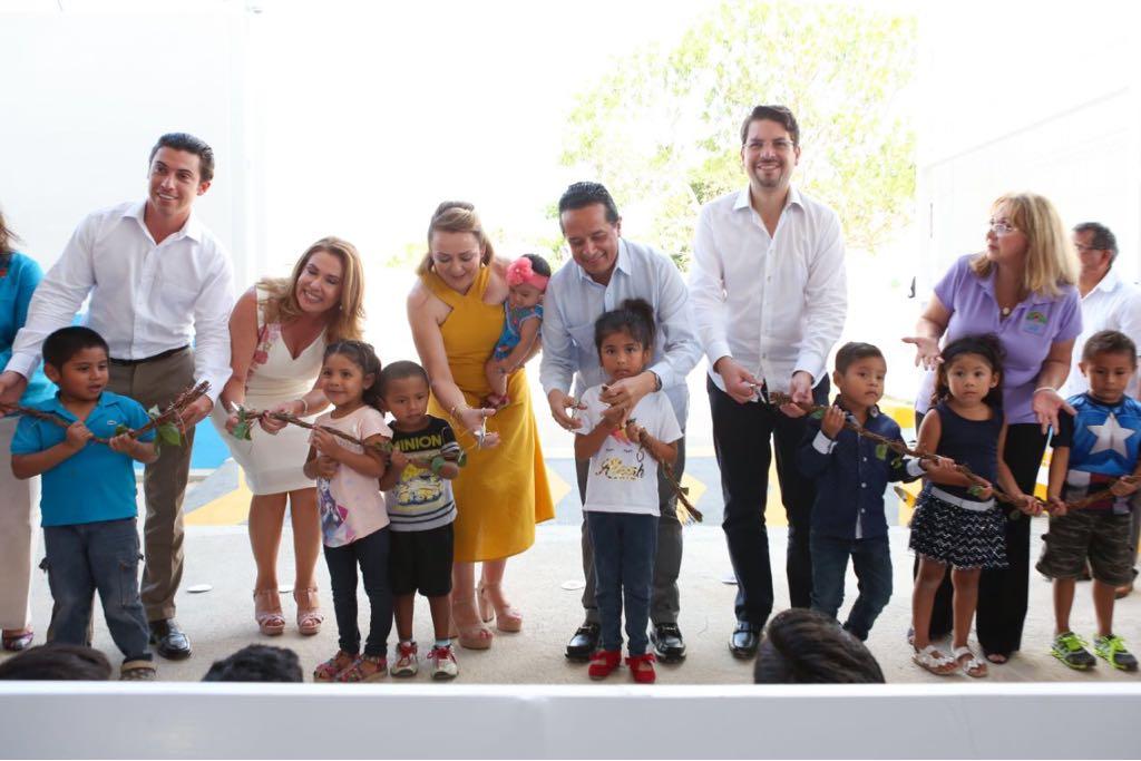 """Inauguración del Centro Integral de Primera Infancia """"Villas Otoch""""  del DIF Estatal Quintana Roo."""