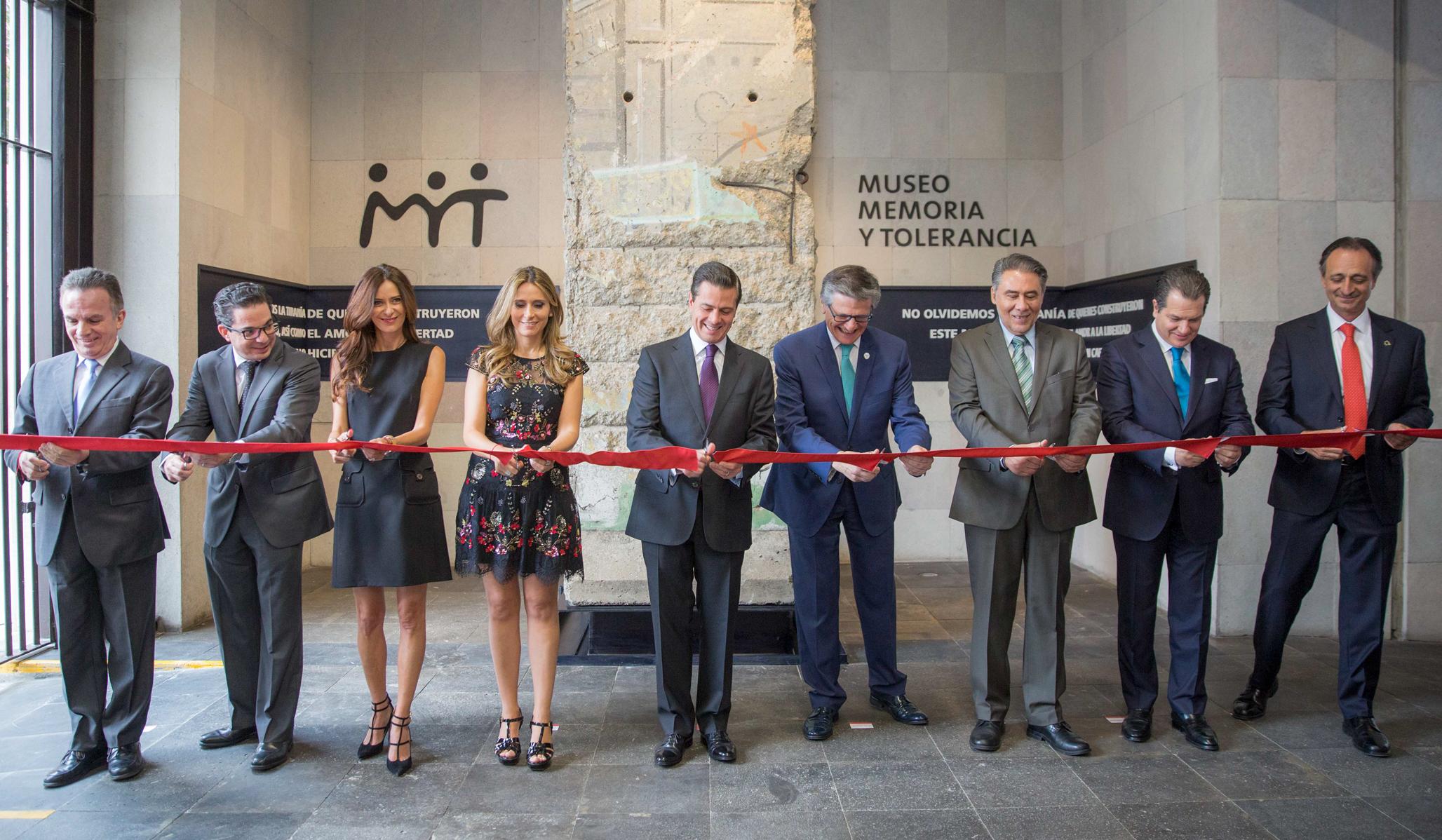 """""""El trabajo del Museo Memoria y Tolerancia es una prueba más del compromiso de la sociedad civil con la promoción de los derechos humanos"""": EPN"""