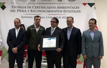 Recibe la Comisión Nacional de Libros de Texto Gratuitos el Certificado Empresa Limpia.
