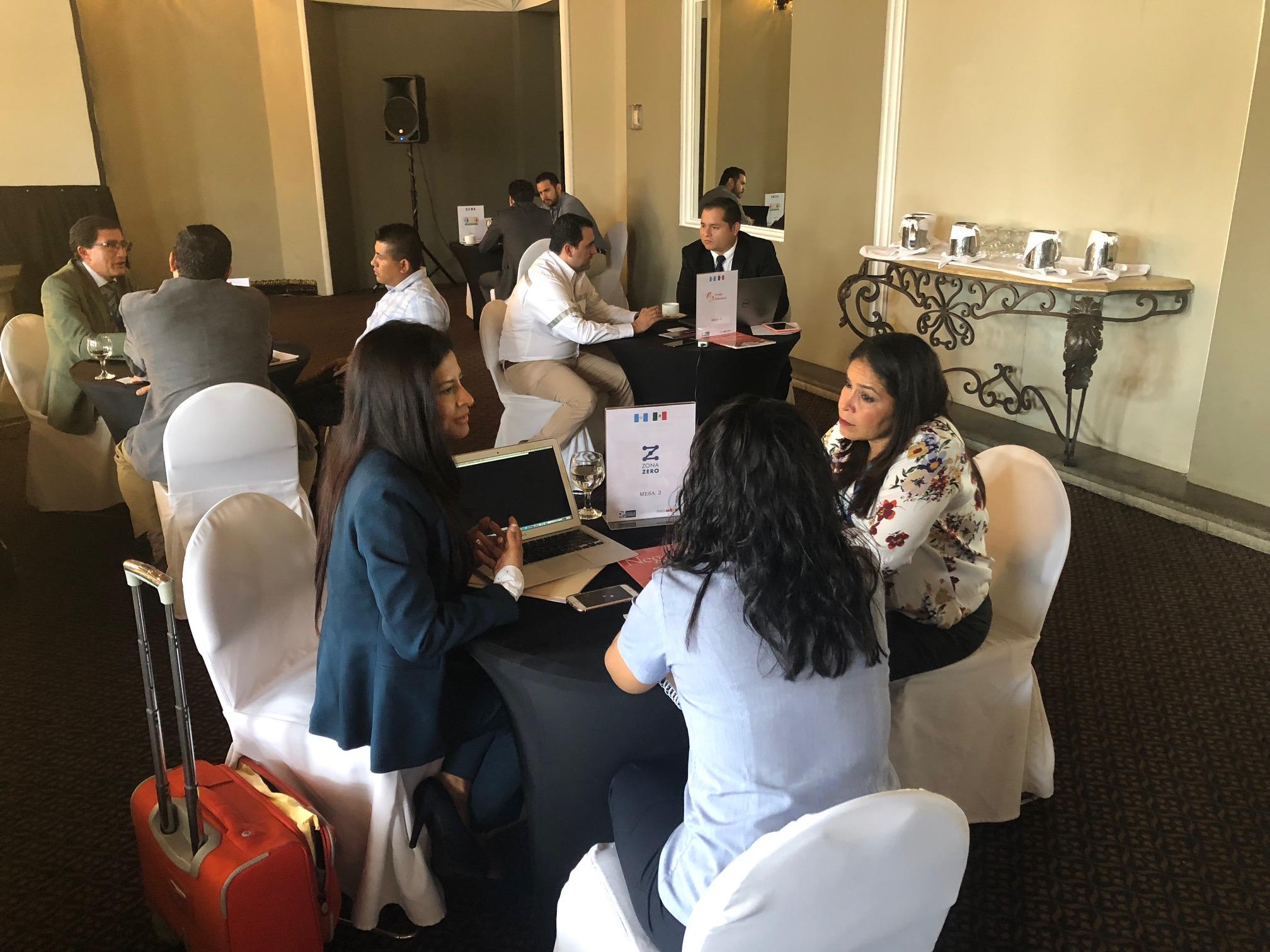 Empresarios mexicanos en el Foro de Industrias Inteligentes, que organizó la Cámara de la Industria de Guatemala