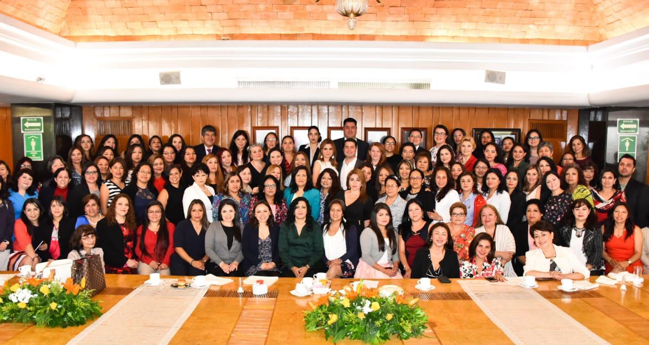 Mamás de la Financiera Nacional de Desarrollo