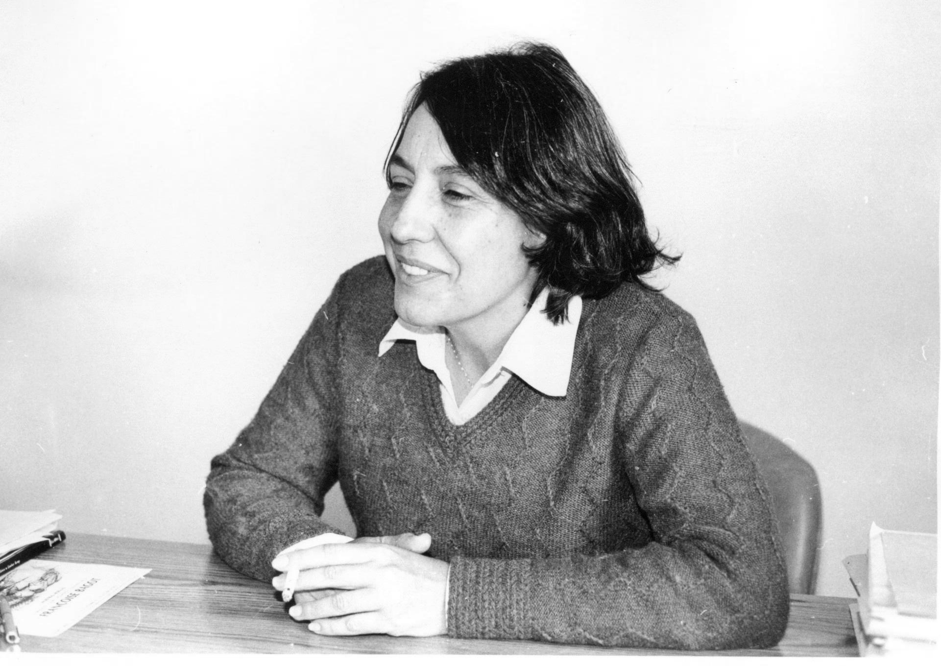 Fotografía durante una entrevista a Moreno Toscano Alejandra