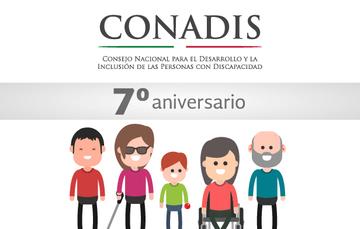 Logotipo del CONADIS, debajo una franja plateada sobre la cual dice 7° aniversario y debajo 5 personajes con discapacidad.