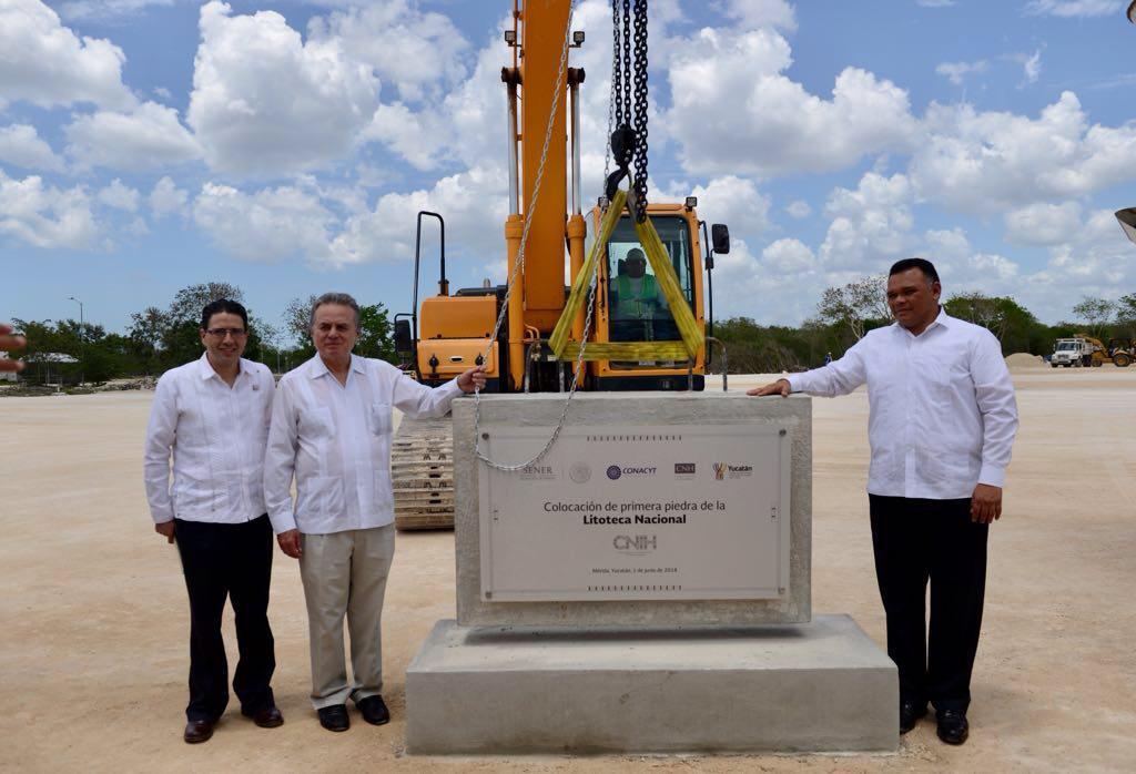 Colocación de la primera piedra de la Litoteca Nacional, en Mérida.