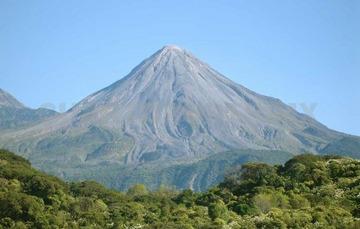 El Volcán Tacaná es parte de la red mundial de Reservas de la Biosfera reconocidas por la Unesco dentro de su programa del hombre y la biosfera (MAB), desde 2006.